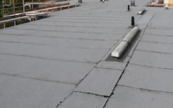 Bitumen-dakleer-branden-nieuwe-dakbedekking